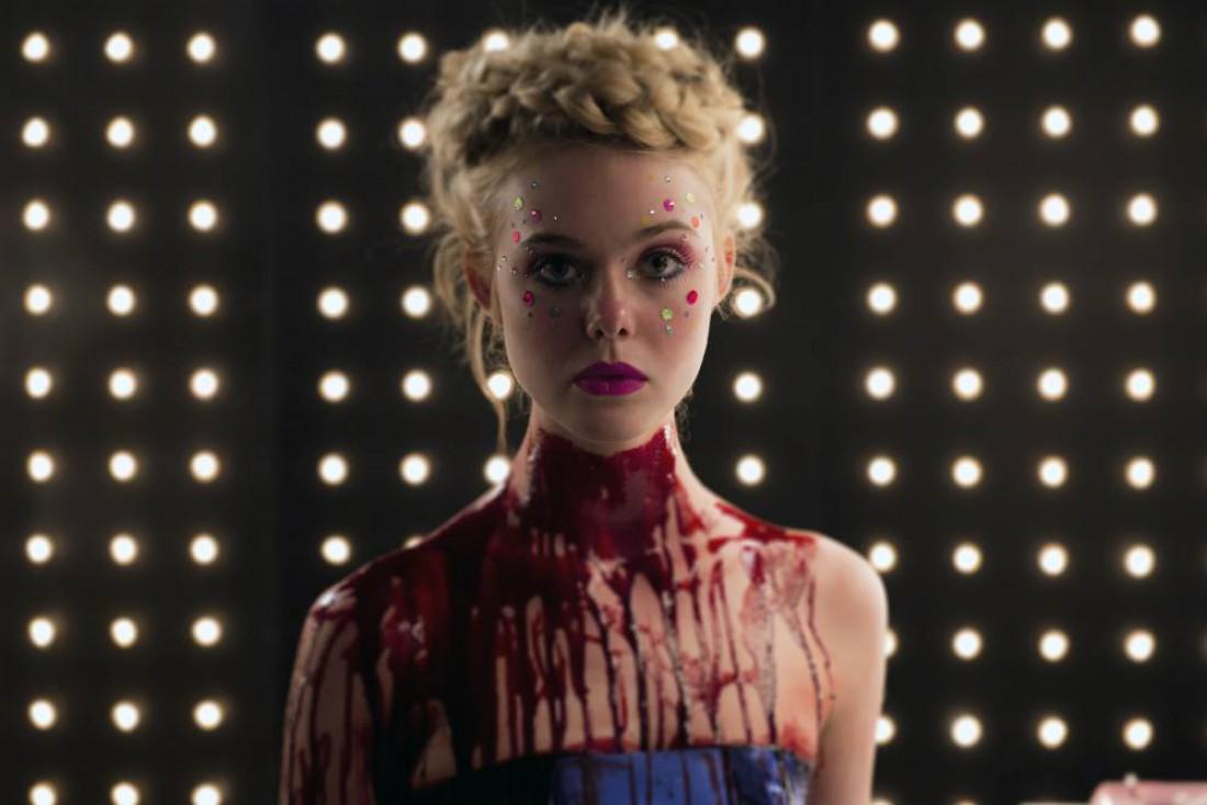 Кадр из фильма Неоновый демон