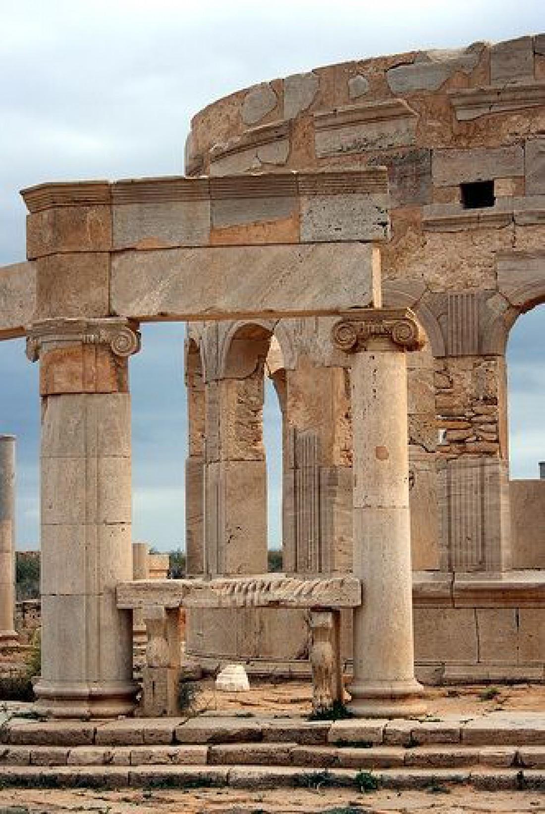 Древний город Лептис-Магна