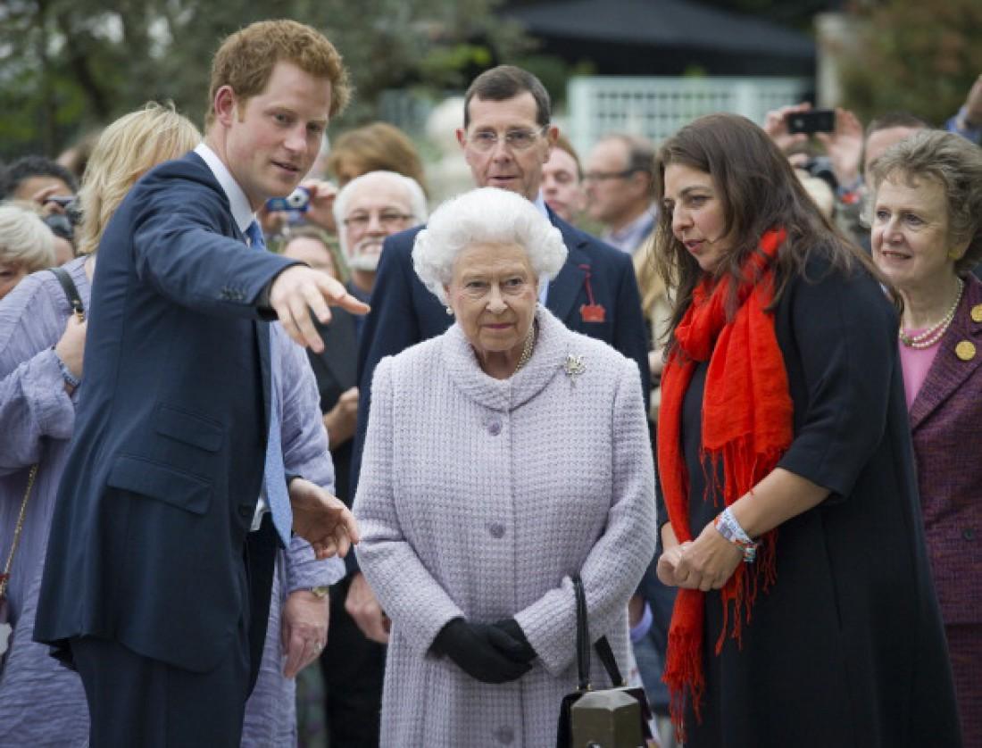 Принц Гарри и королева Великобритании Елизавета II