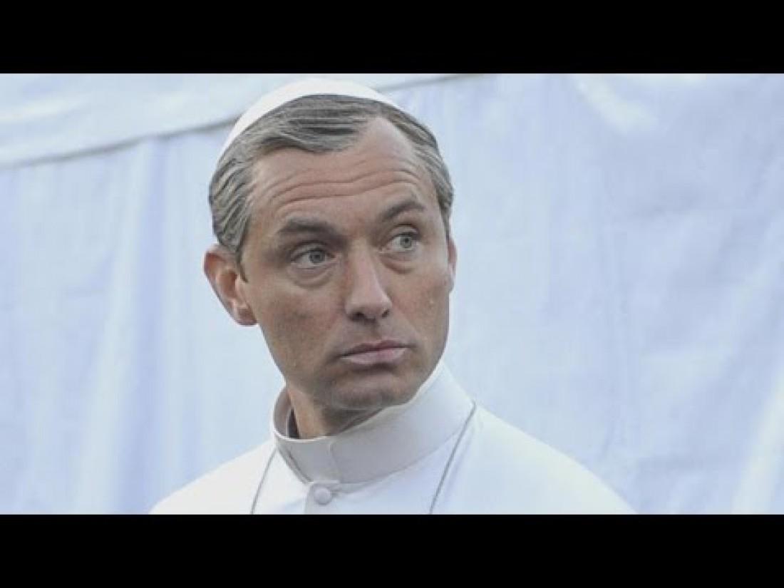 Джуд в роли Папы