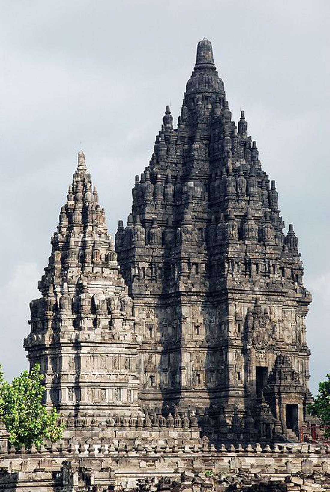 Лара Джонгранг или храм Прамбанан