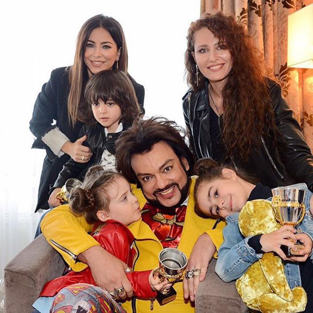 Ани Лорак с дочкой, семья Филиппа Киркорова и Ирина Бережная