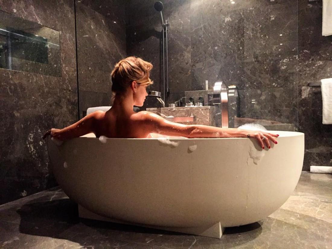 Секс шоу ванна 16 фотография