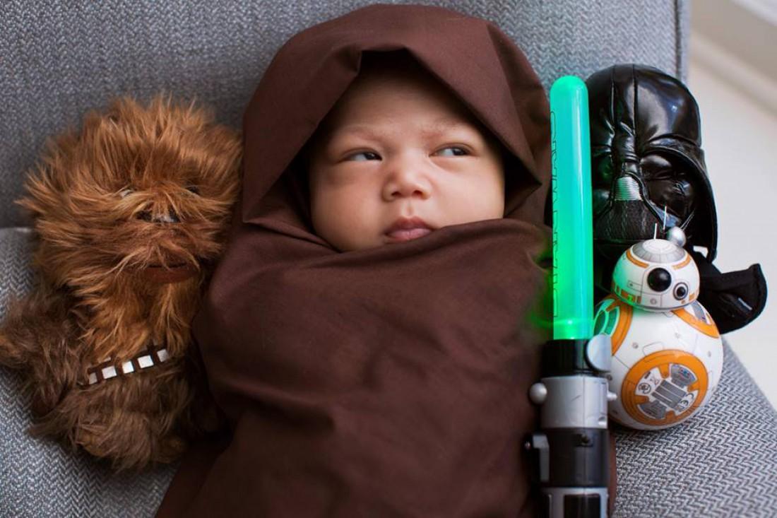 Новорожденная дочь Марка Цукреберга с игрушками из Звездных войн