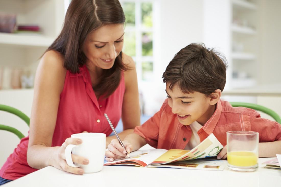 Ты помогаешь ребенку с уроками?