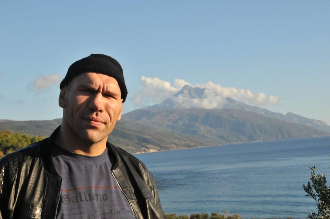 Боксер идепутат Николай Валуев сражался сопухолью мозга