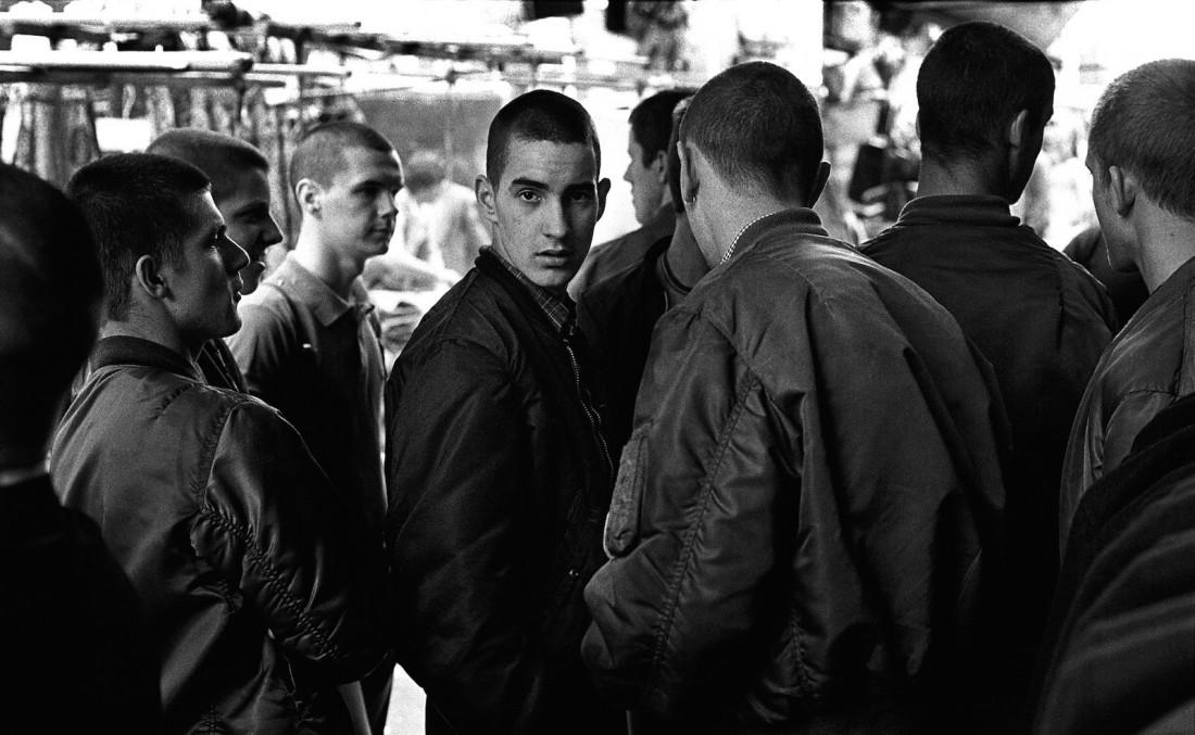 Скинхеды в куртках-бомберах, 1979 год