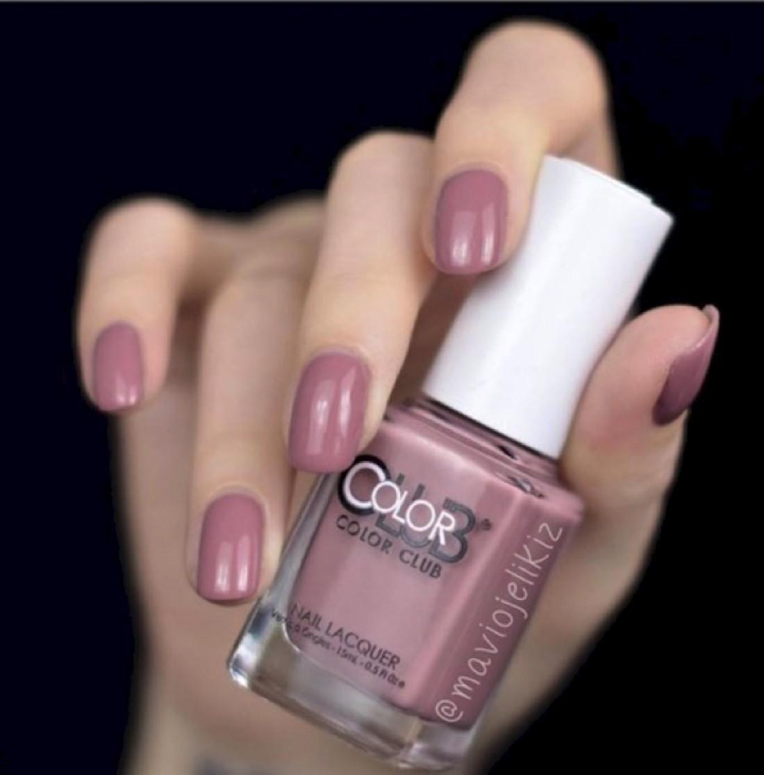 Модные цвета лаков для ногтей
