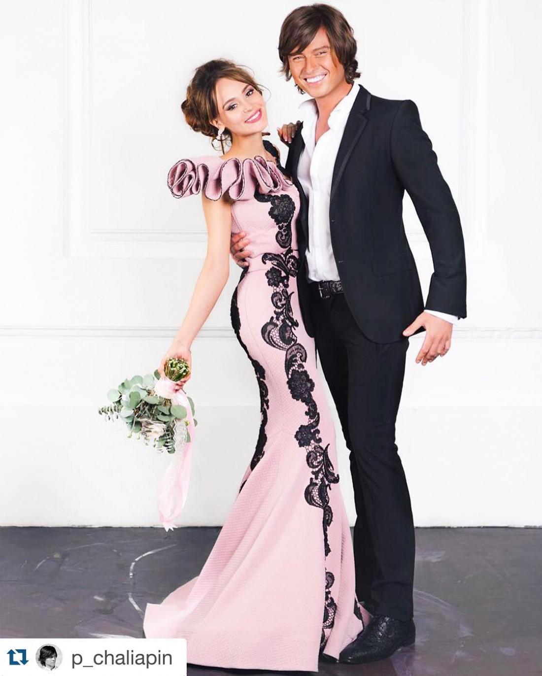 Анна с Прохором Шаляпиным. Калашникова думает выбрать такой – нежно-розовой цвет свадебных нарядов.