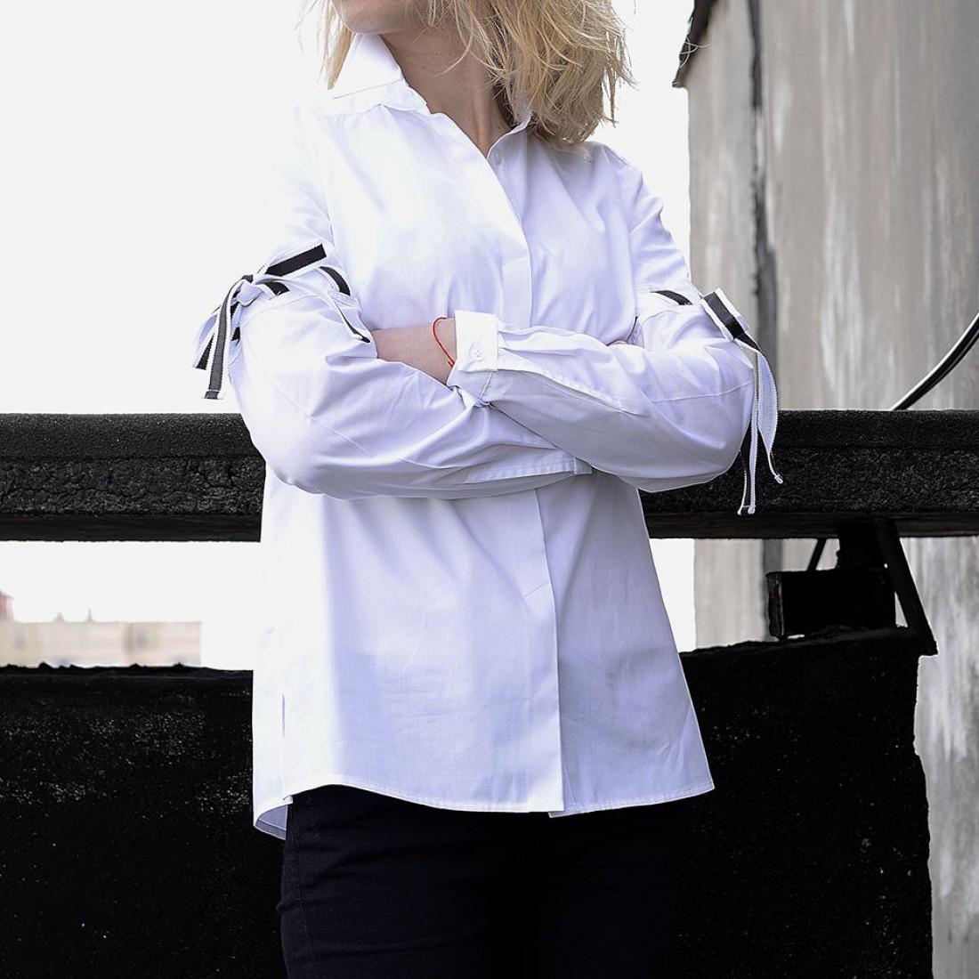 Белая рубашка от On The Roof