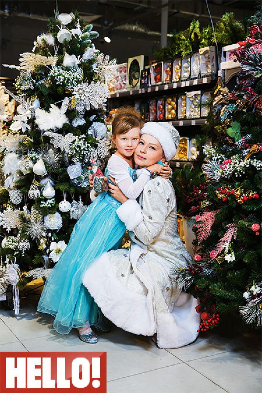 Юля со старшей дочкой Анной