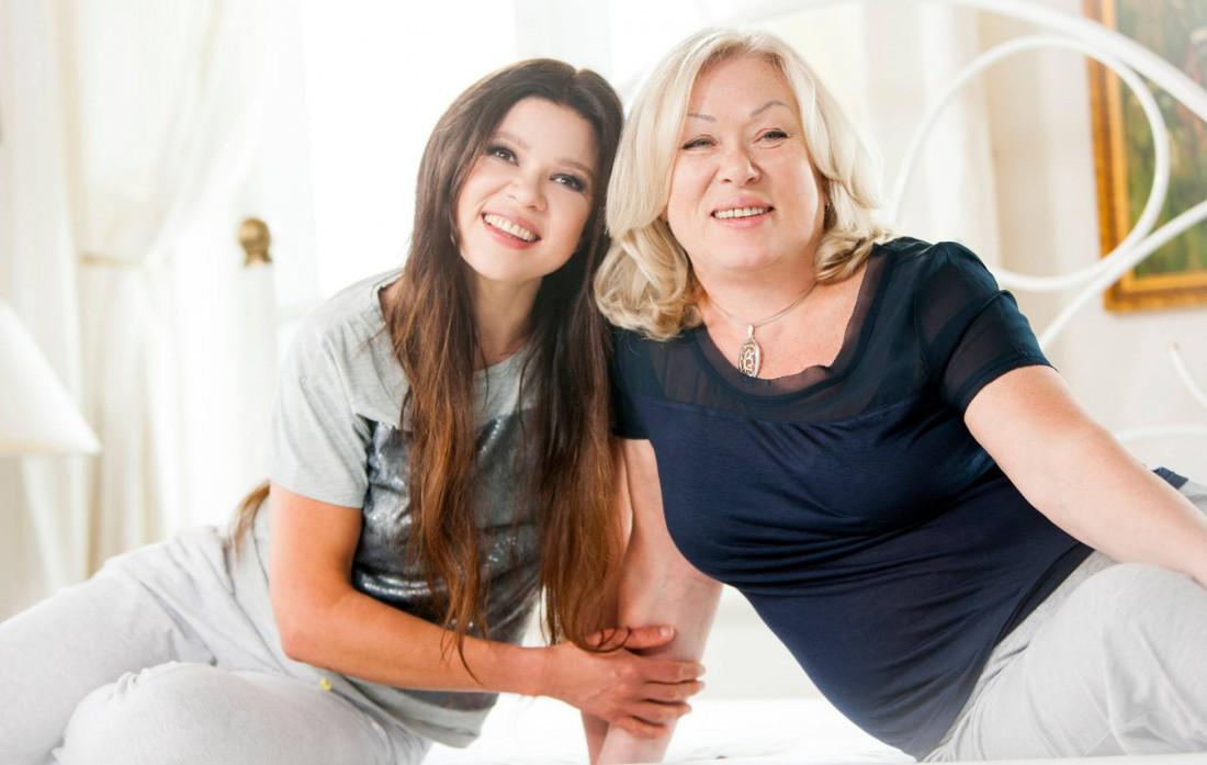 Руслана вместе с мамой