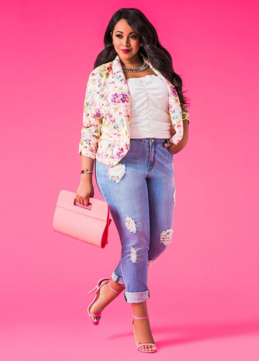 Мода для полных девушек: рваные джинсы