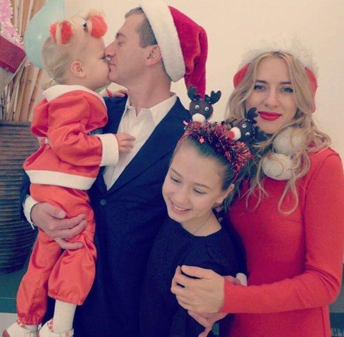 Картинки по запросу юрий владимирович никитин  с семьей фото 2017