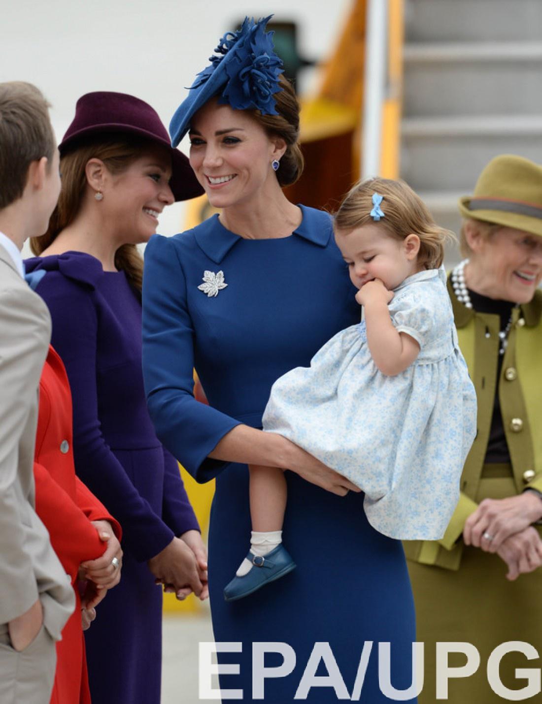 Принц Гарри познакомил Меган Маркл сКейт Миддлтон ипринцессой Шарлоттой