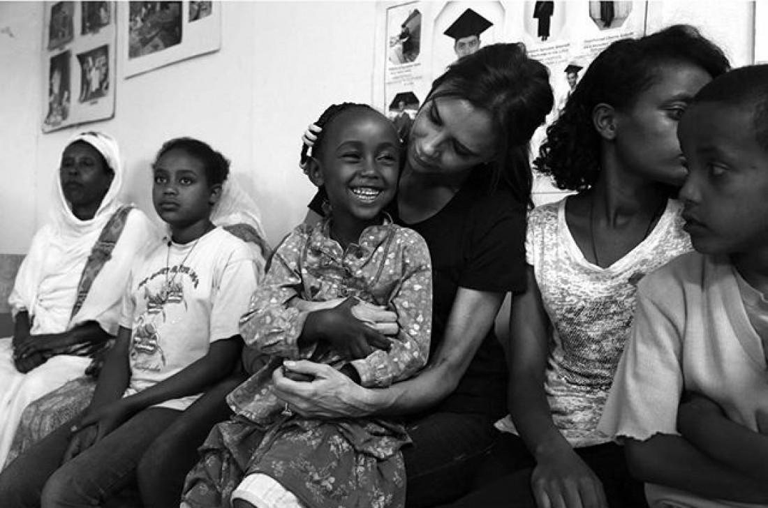 Вікторія Бекхем відвідала Ефіопію з благодійною місією
