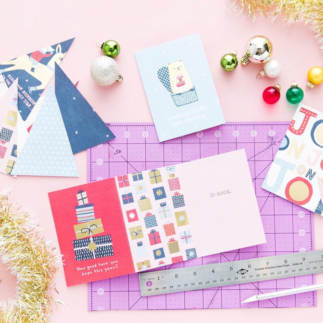 Елка из бумаги – идеальный декор на Новый год