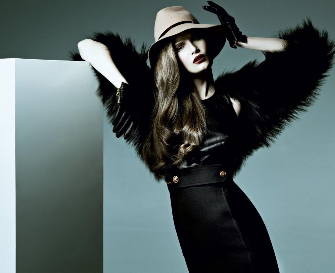 Традиционно, ведущей шоу будет модель Алла Костромичева