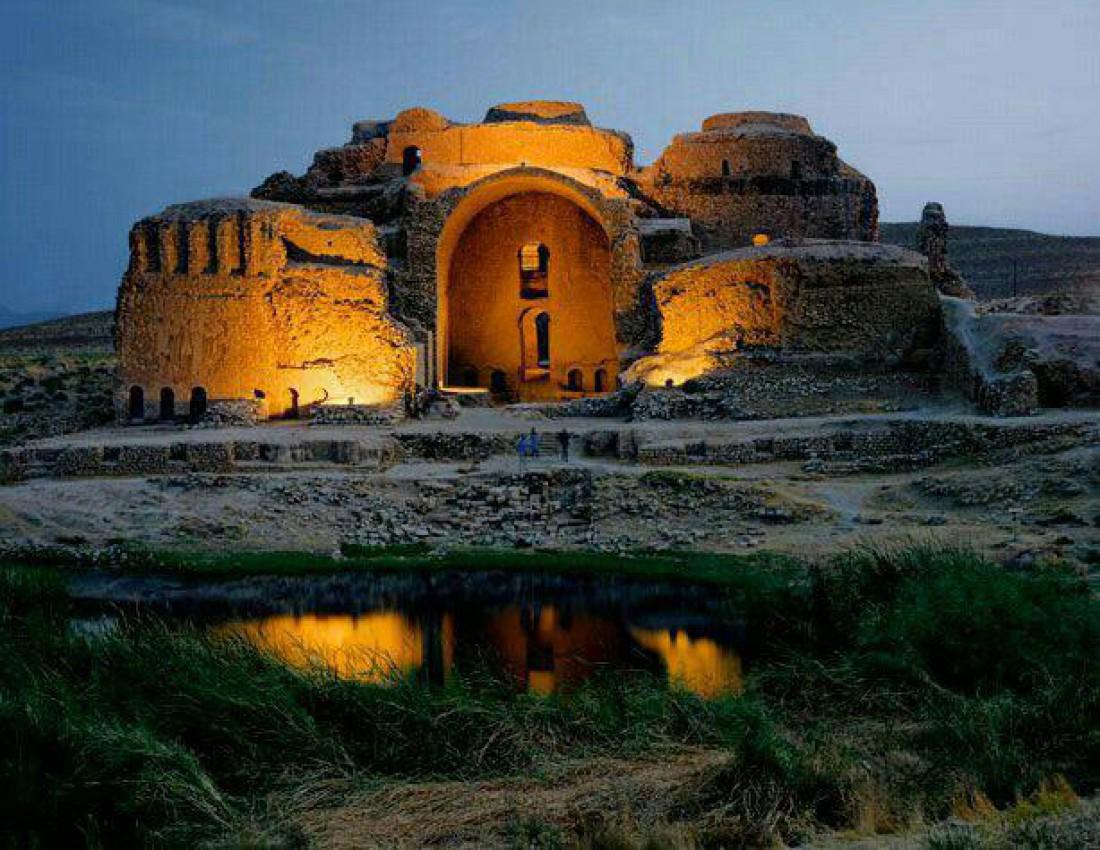 Руины дворца Ардашира