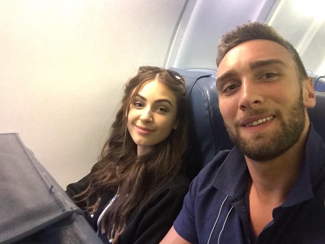 Алена и Иракли в самолете