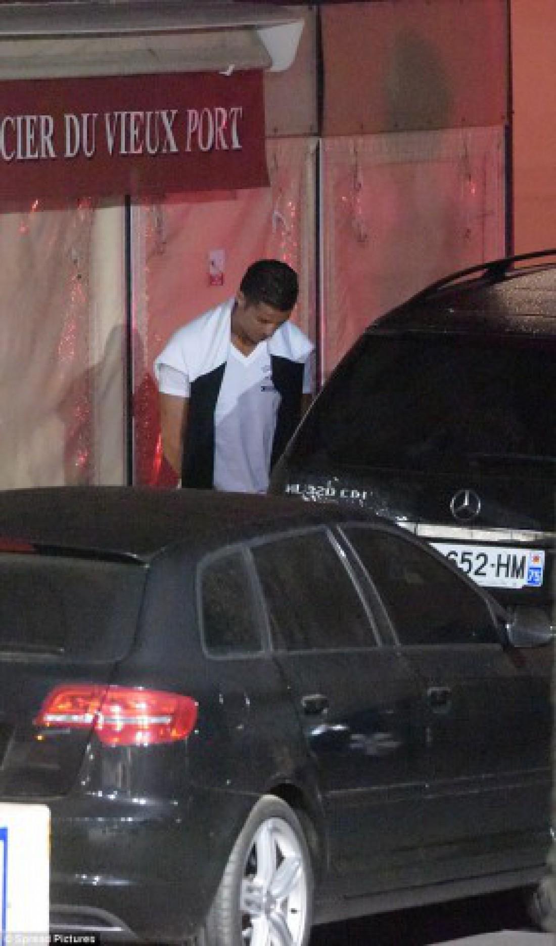Криштиану Роналду справлял нужду на улице в Сен-Тропе