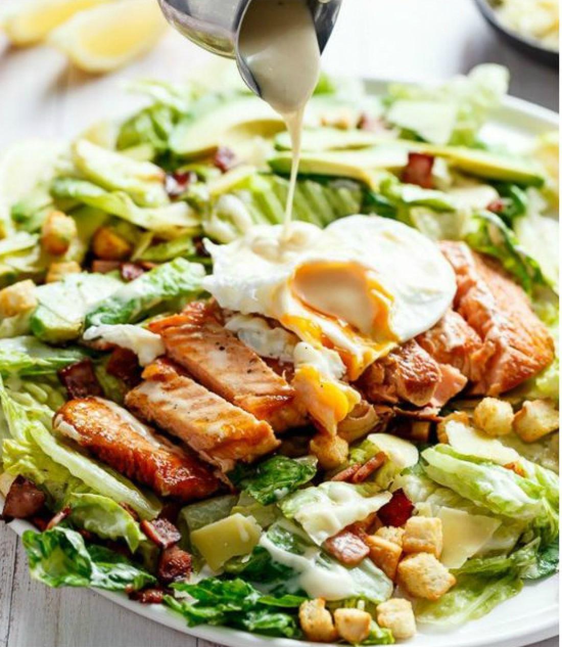 Узнай, какие заправки считаются лучшими для салатов
