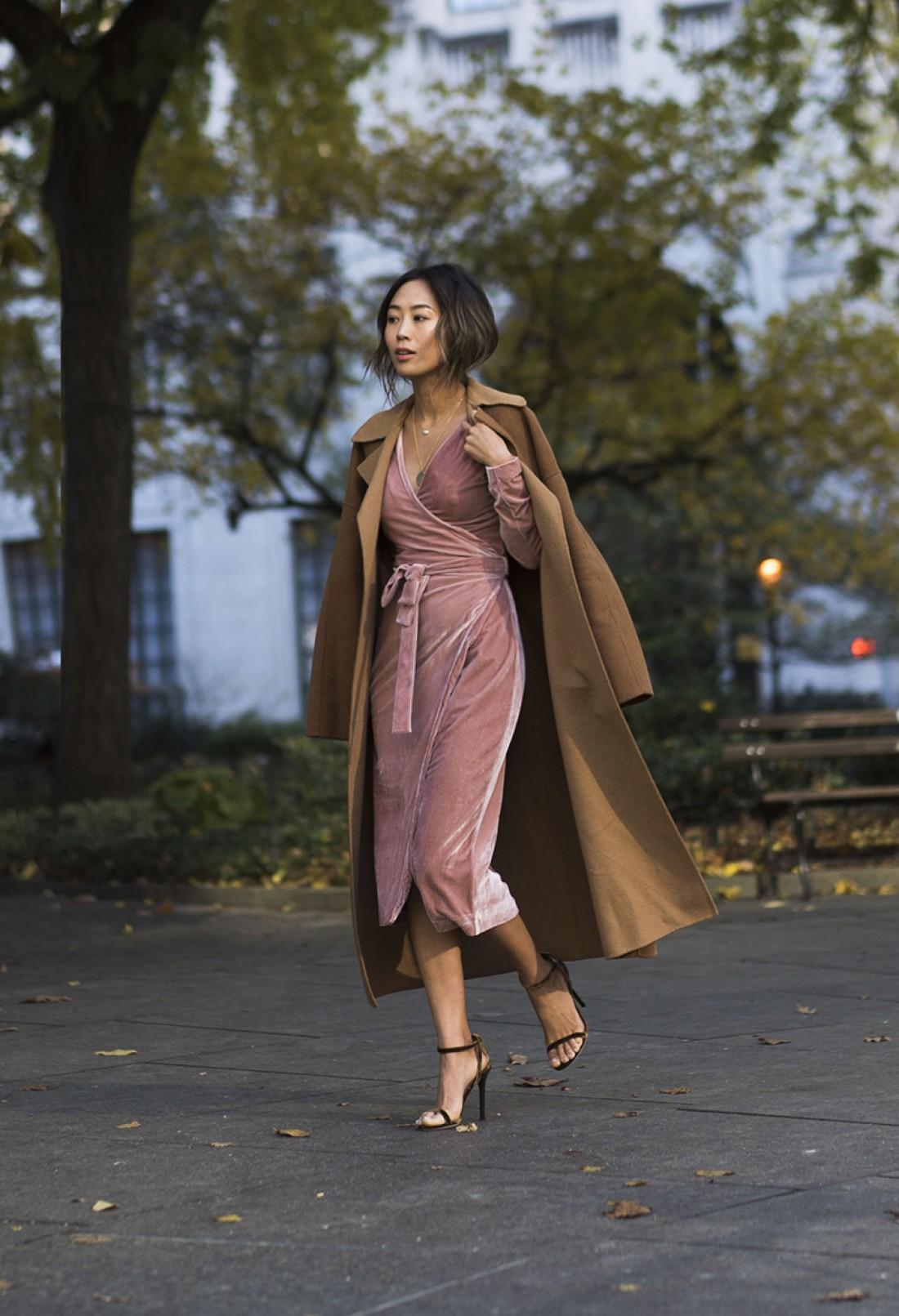 Коктейльное платье из бархата – замечательный вариант
