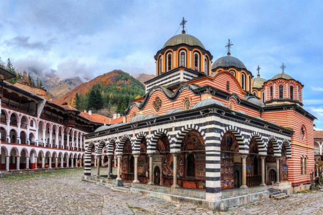 Рильский монастырь - крупнейший мужской монастырь Болгарской православной церкви