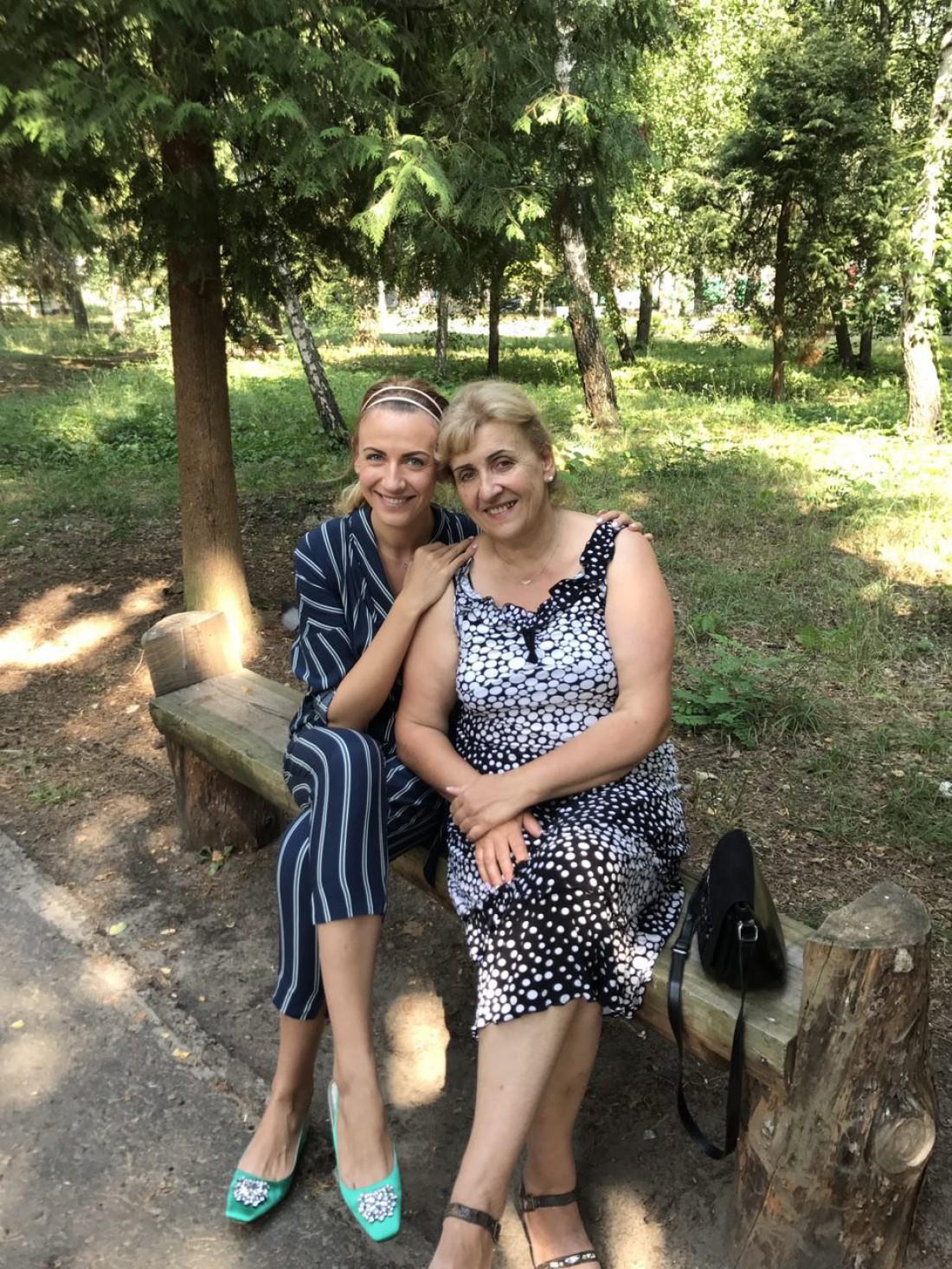Леся Никитюк с мамой