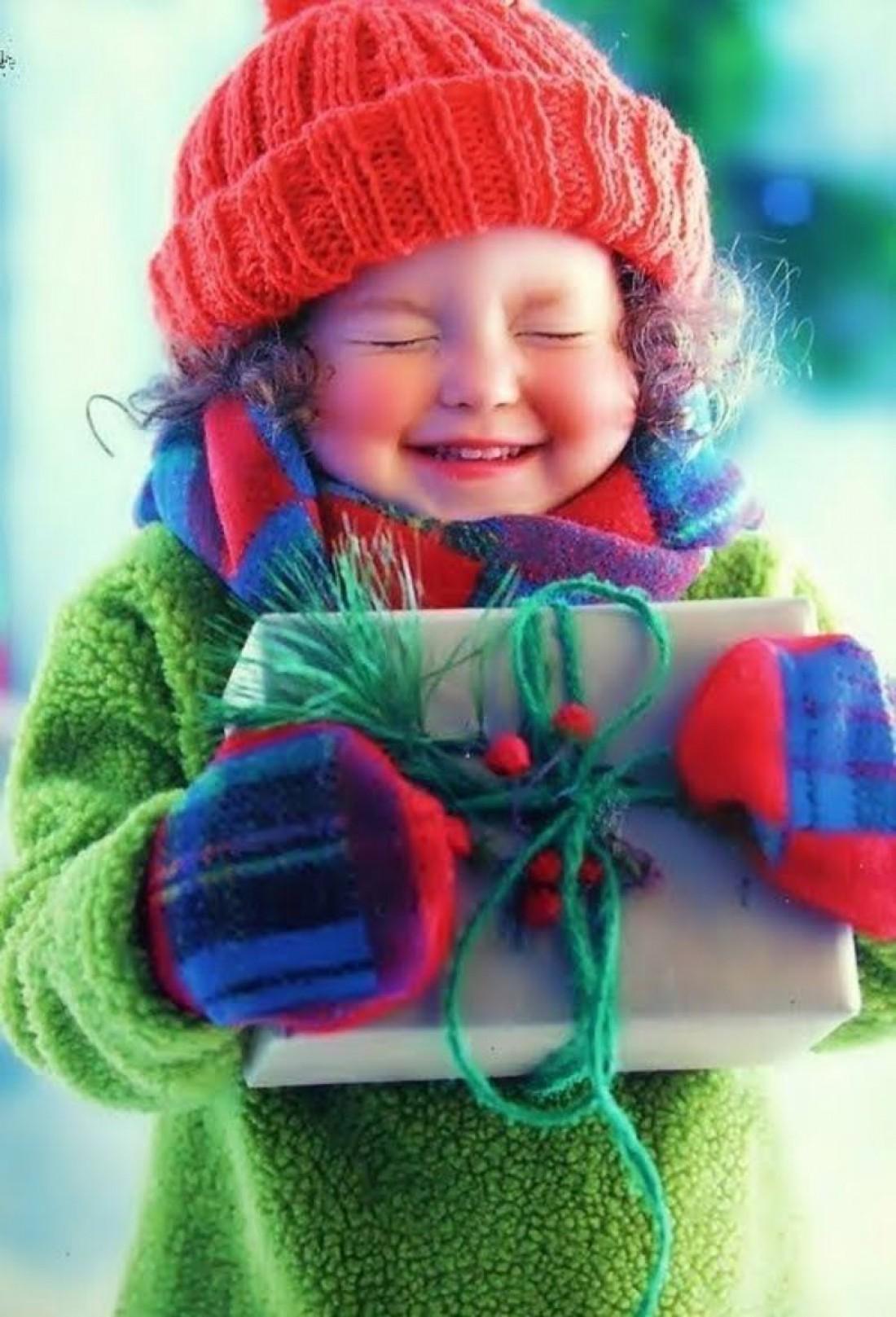 Дети ждут подарков от святого Николая