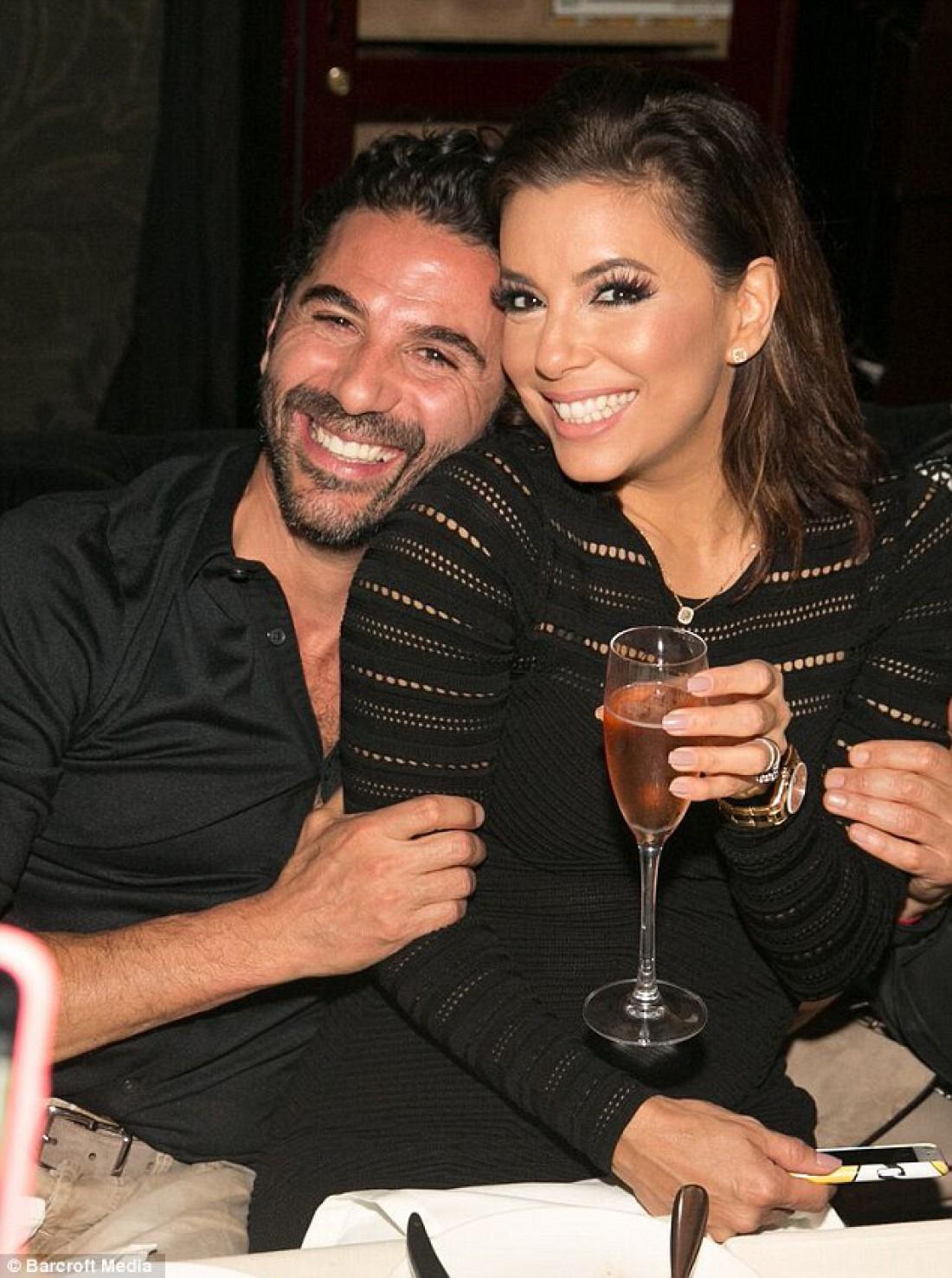 Ева Лонгория с мужем Хосе Бастоном
