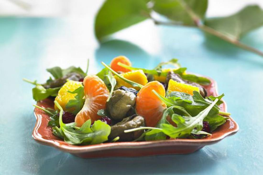 Вкусный салат для романтического ужина - Салат с мидиями и апельсинами