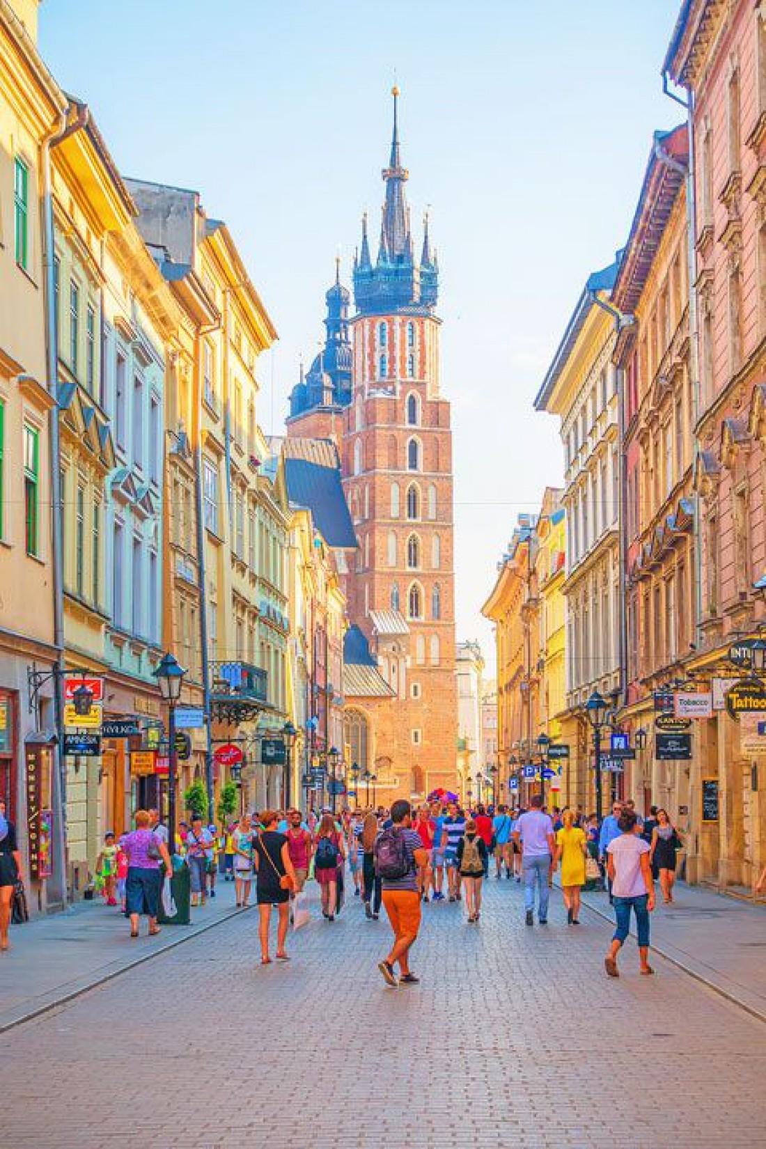 Архитектура Кракова будто нарисована рукой талантливого художника