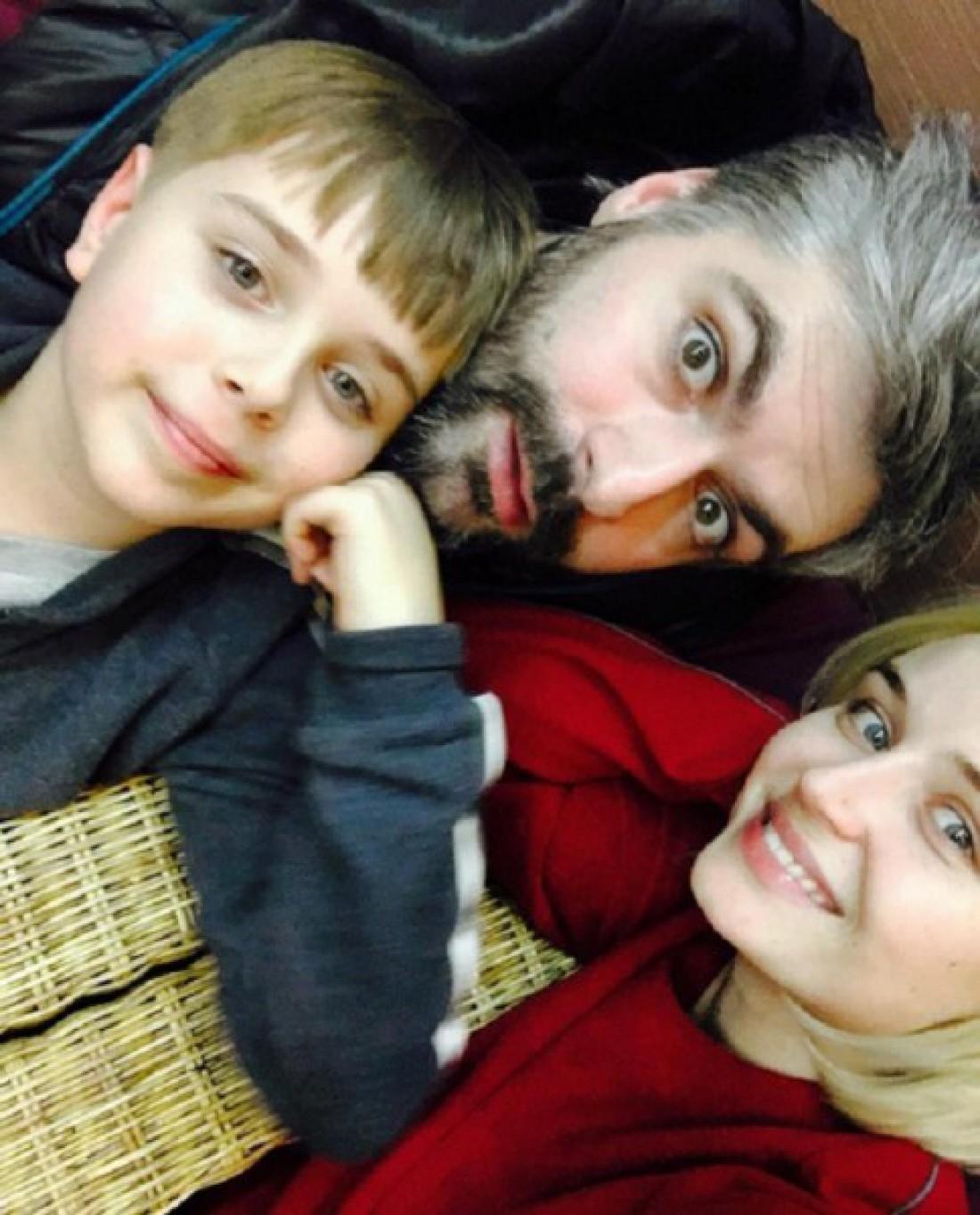 Полина Гагарина показала трогательное фото с мужем и сыном