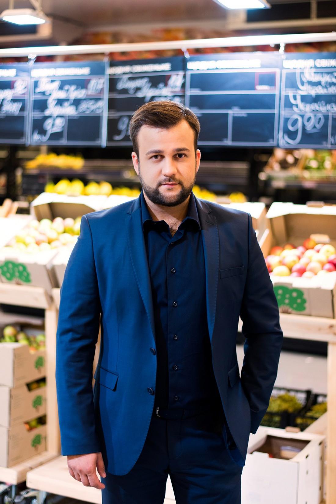 Алексей Душка ведет программу