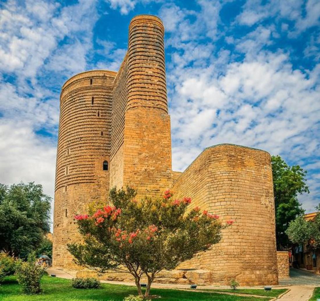 Окутанная легендами Девичья башня