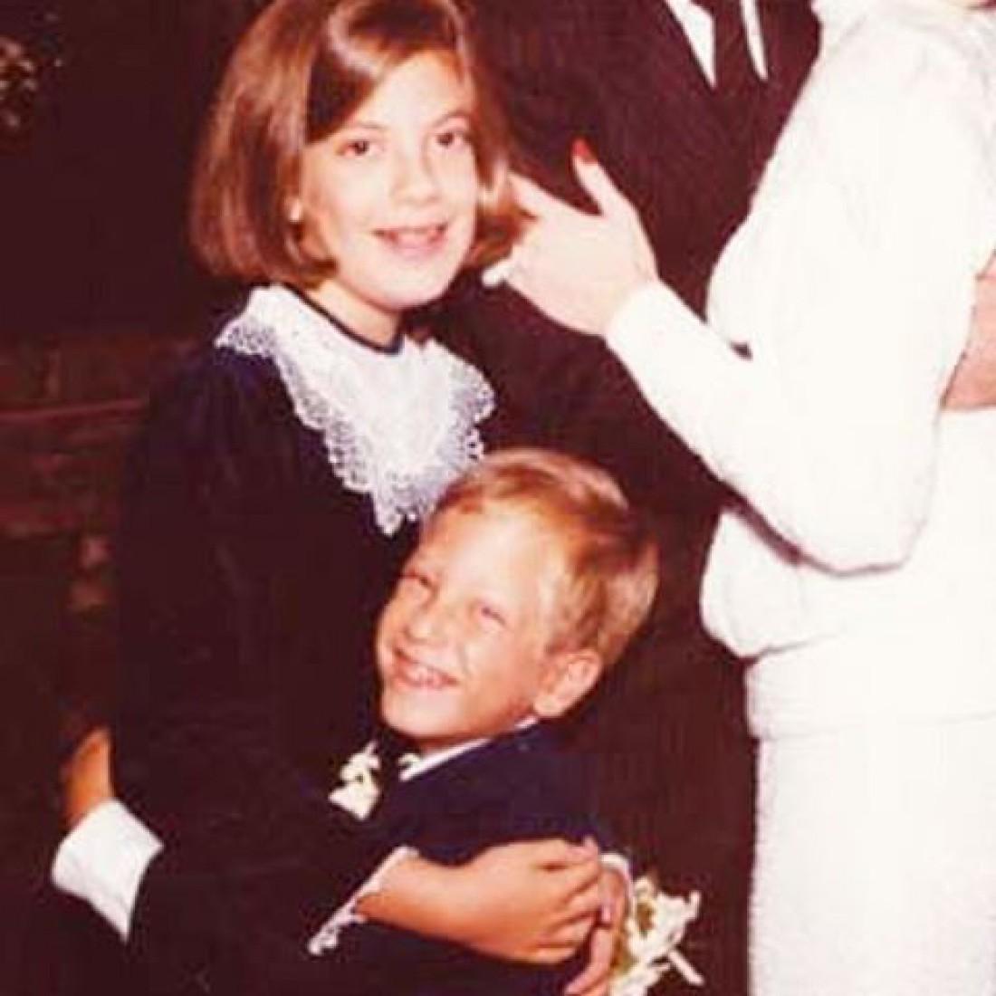 Тори Спеллинг и ее брат Рэнди в детстве