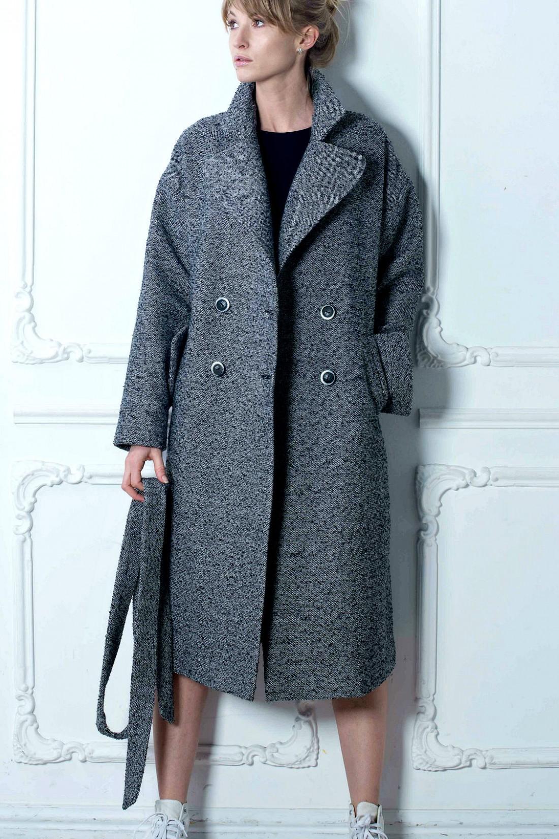 Для весны твидовое пальто самое оно