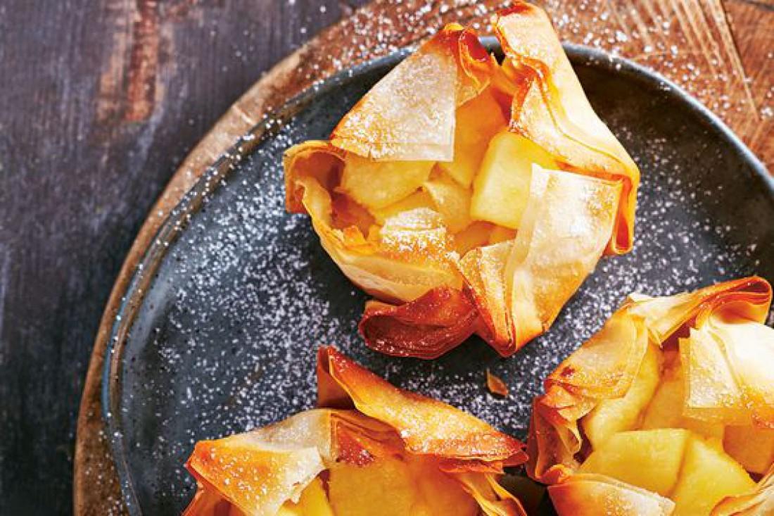 Корзиночки из теста Фило с яблоками и лесными орехами: Простой рецепт