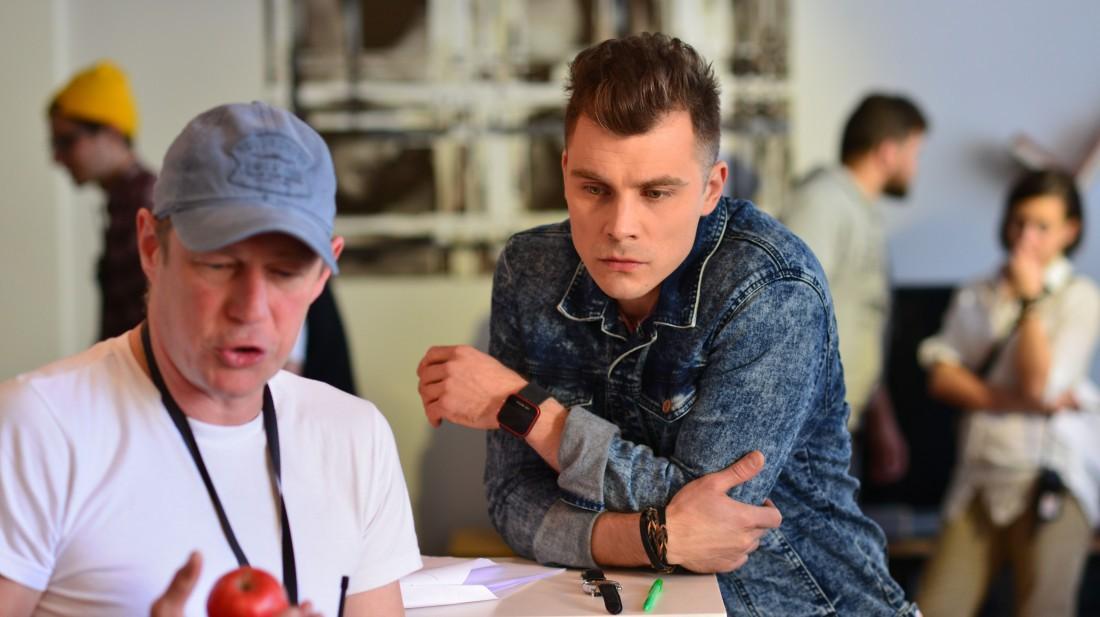Сьемки фильма Город влюбленных: актер Евгений Морозов и режиссер Антон Гойда