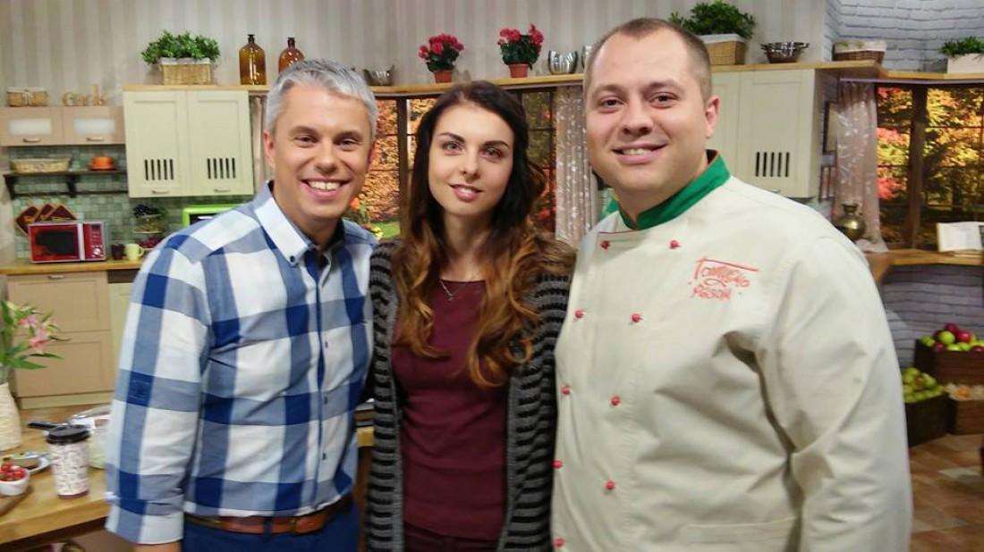 Ведущий Андрей Доманский (слева),  шеф-повар Андрей Дромов и Алена Каращук
