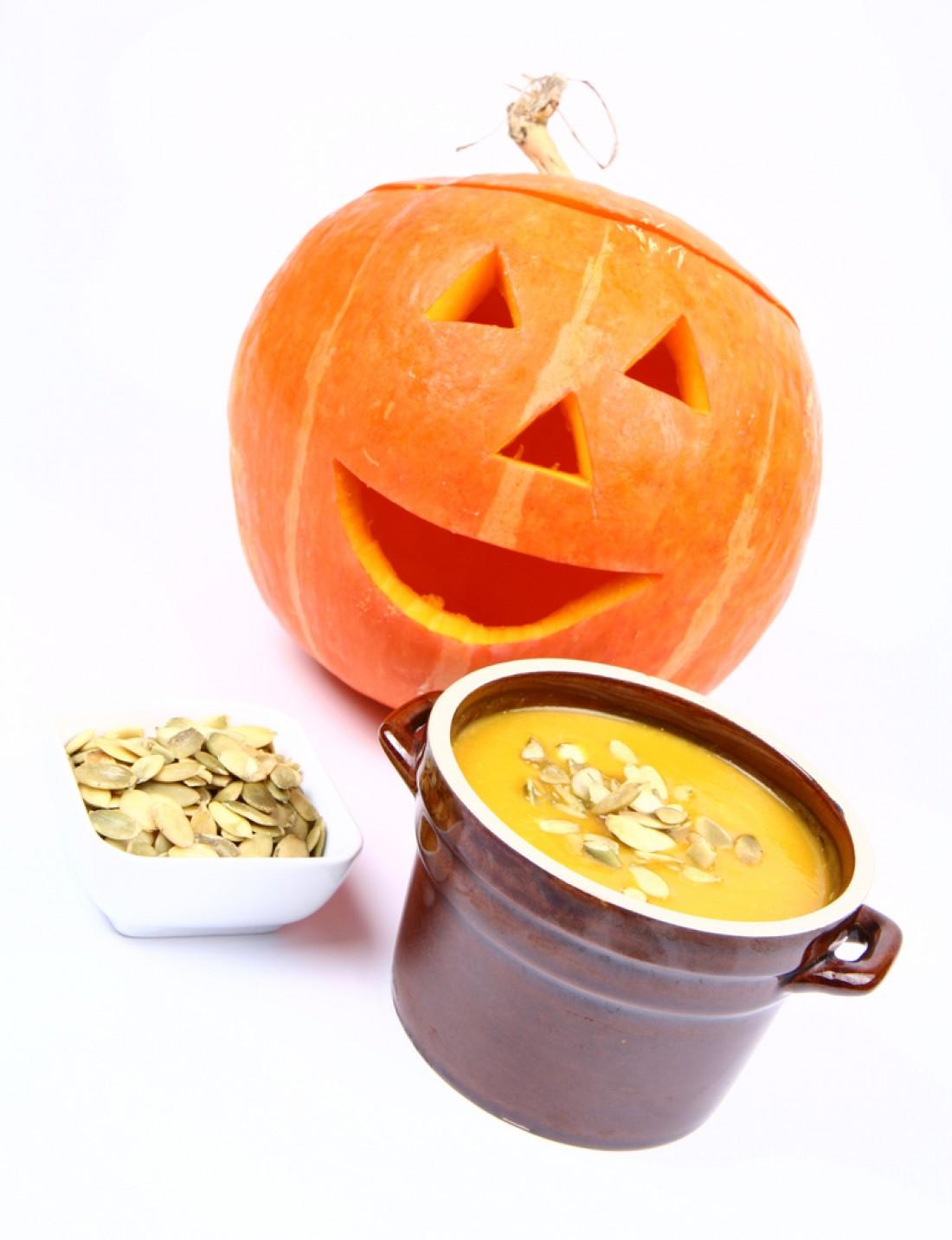 Сырное фондю в тыкве на Хэллоуин