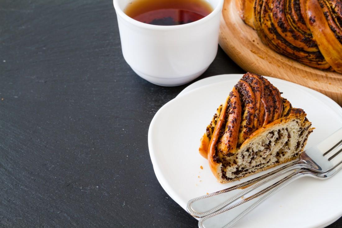 К празднику Маковея: Маковый пирог с изюмом
