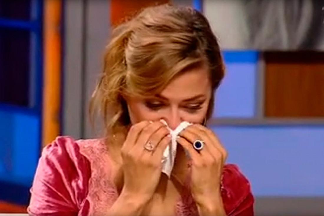 Виктория Боня расплакалась в эфире программы Наедине со всеми