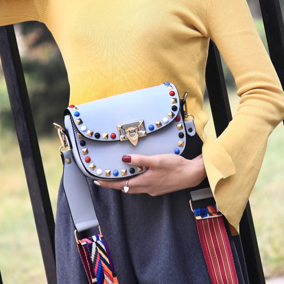 b7e3033b5284 Мини-сумочки: ТОП-3 стильных варианта - Тренды моды, мода 2017 ...