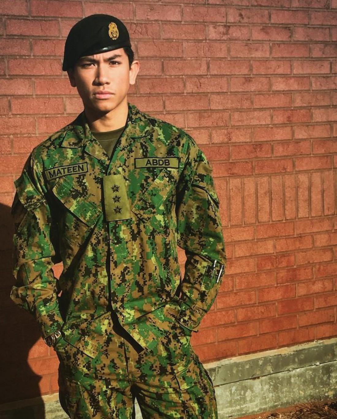 Абдул Матин окончил Королевскую военную академию в Сандхерсте
