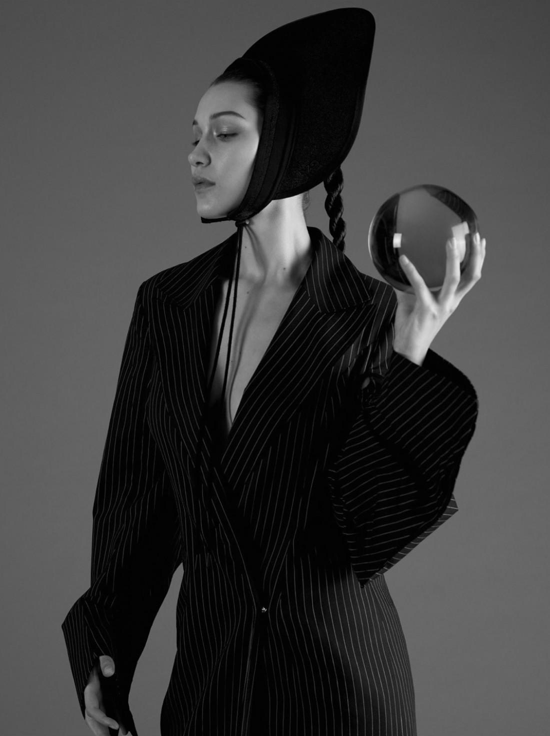 Белла Хадид в новой фотосессии для  Double Magazine