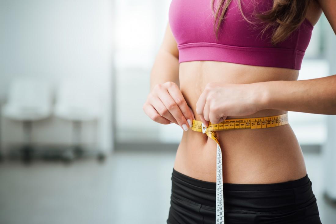 сколько должно быть жира на животе