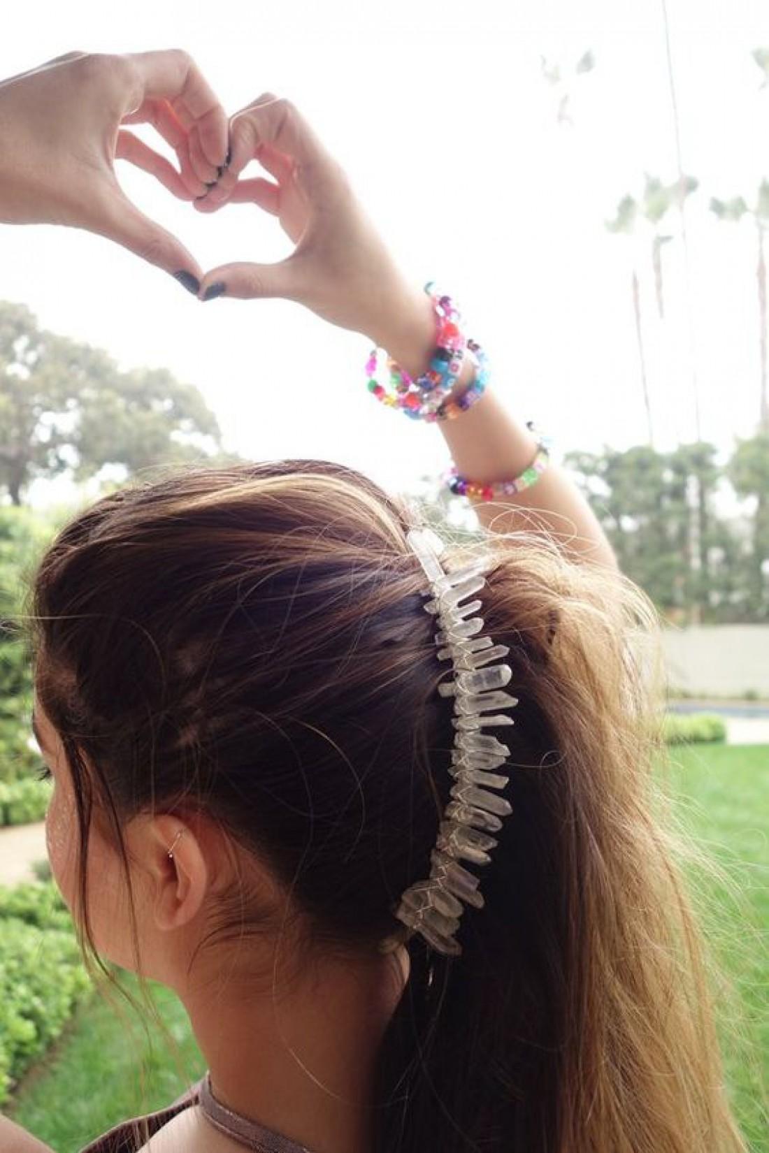 Большие заколки: Трендовое украшение для волос лета 2019