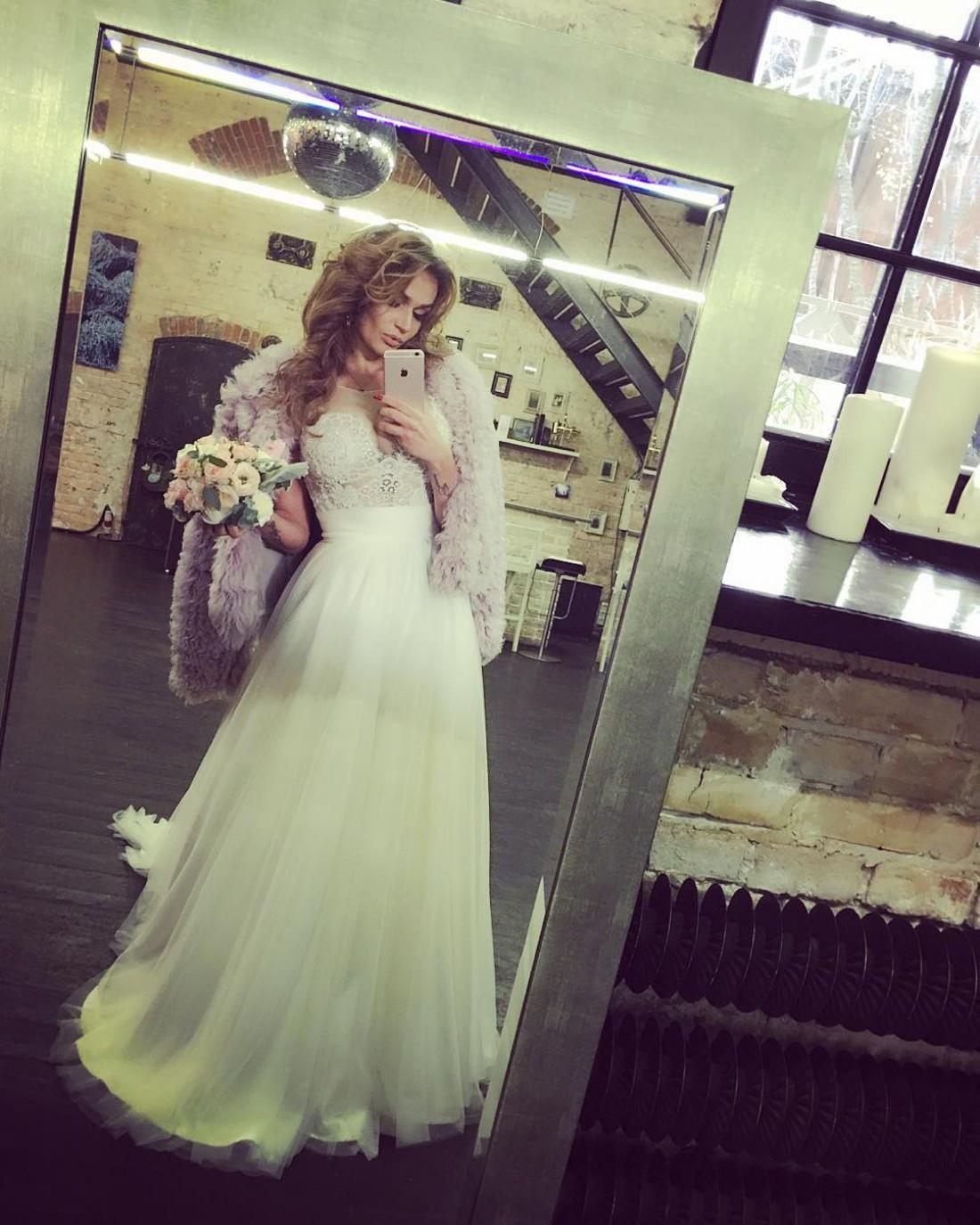 Водонаева в свадебном платье